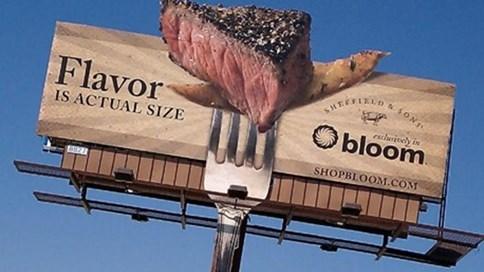 Billboard quảng cáo có mùi thịt nướng hấp dẫn thực khách