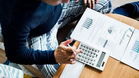 Nhà đầu tư cần làm gì trước một cuộc suy thoái