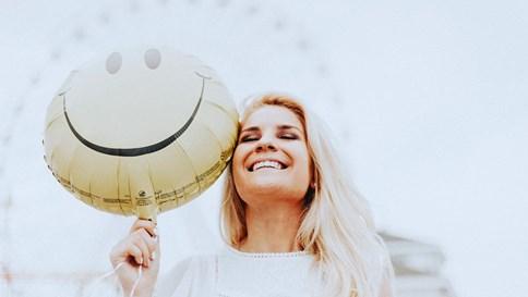 Tiếp thị bằng nụ cười: Hiểu đúng để ứng dụng hiệu quả