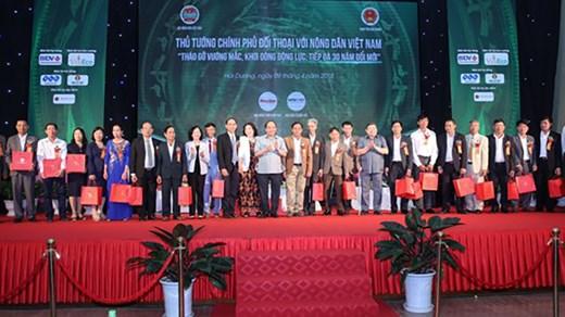Thủ tướng đối thoại với nông dân Việt Nam