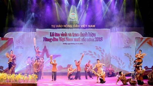 Lễ tôn vinh và trao danh hiệu cho 63 Nông dân Việt Nam xuất sắc 2018